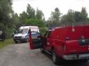 Strażacy z Jednostki Ratowniczo-Gaśniczej Szkoły Aspirantów PSP w Krakowie podczas działań związanych z porażenie prądem.